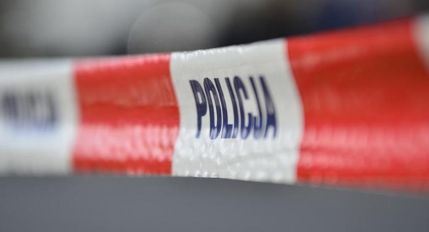 Kronika Kryminalna, Bolimów rzeki wydobyto samochód Wewnątrz odnaleziono ciało mężczyzny - zdjęcie, fotografia